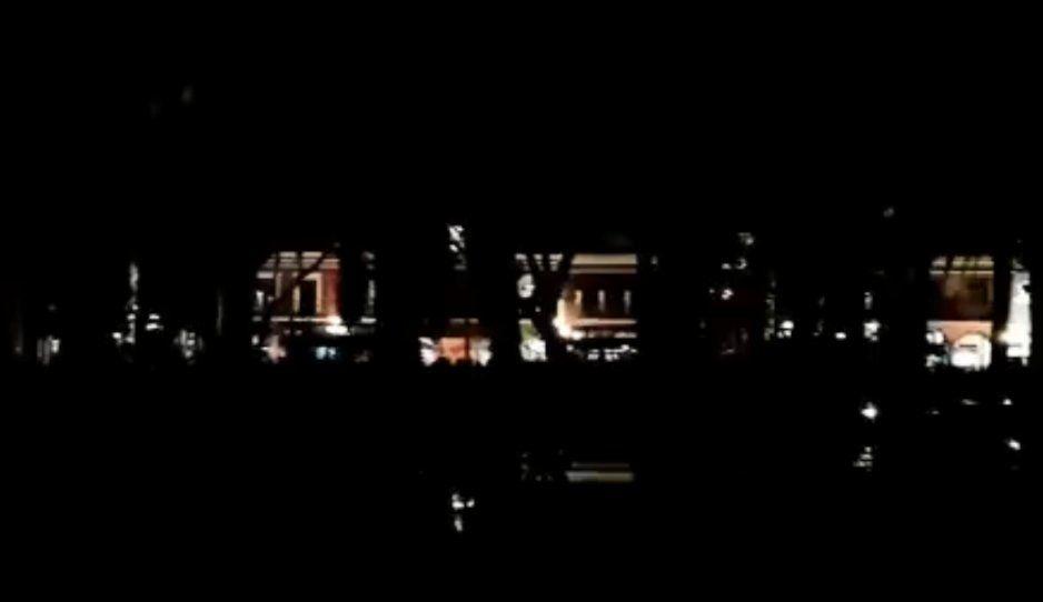 Pánico en el Centro Histórico ante tenebroso apagón (VIDEO)