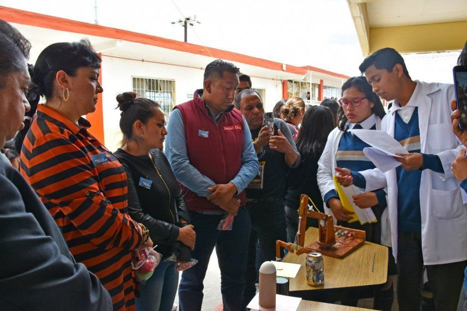 Bachillerato Agustín Carrasco de San Baltazar Temaxcalac realizó demostración de actividades académicas en Texmelucan