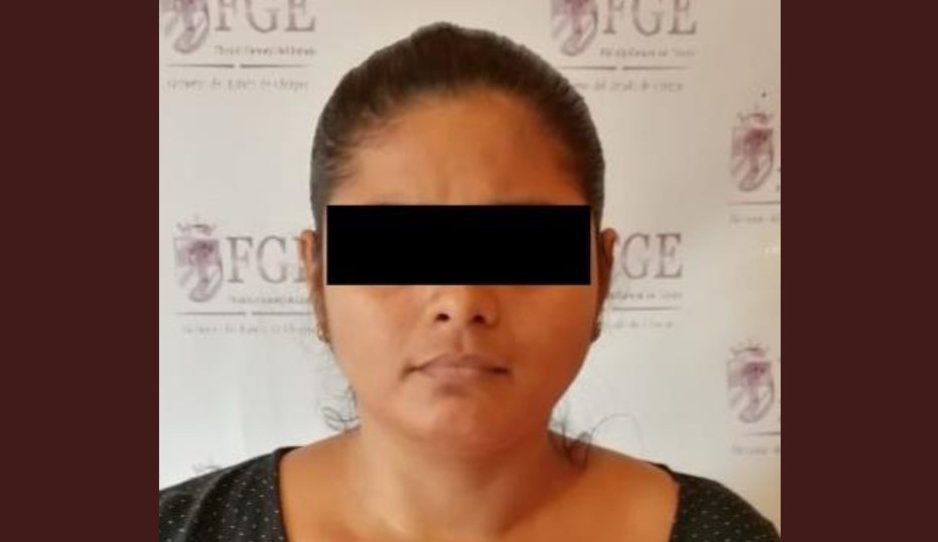 Detienen mamá cruel que explotaba sexualmente a su hija de 9 años