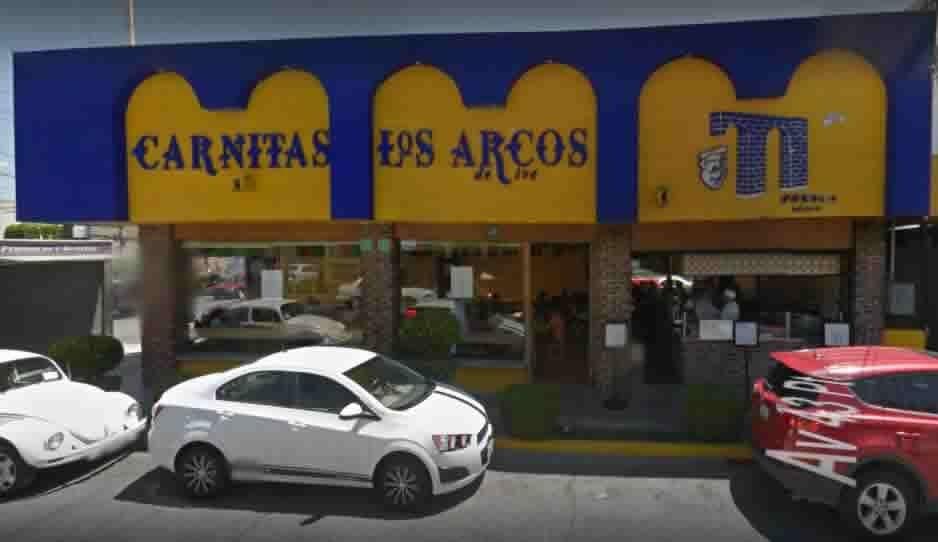 Atracan carnitas Los Arcos en Huexotitla y se llevan hasta los taquitos de moronga