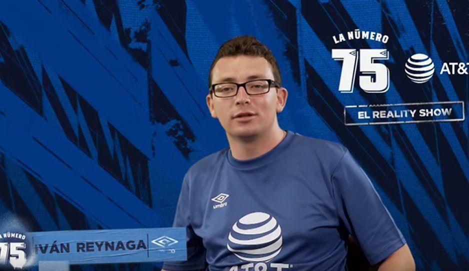 Iván Reynaga fue el ganador del Reality Show La Número 75 y quien develo la nueva playera del Club Puebla