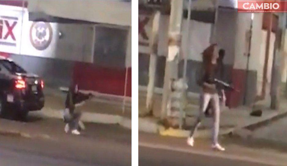 Drogadicta roba arma a la policía y desata balacera en calle de Aguascalientes (VIDEO)