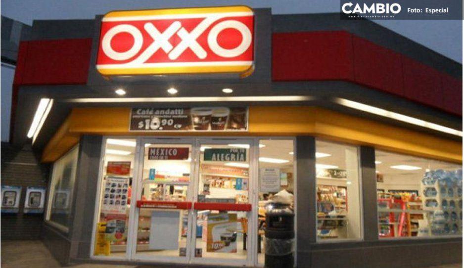 ¡Otro asalto! Sujetos armados atracan Oxxo de camino a Tlaltepango