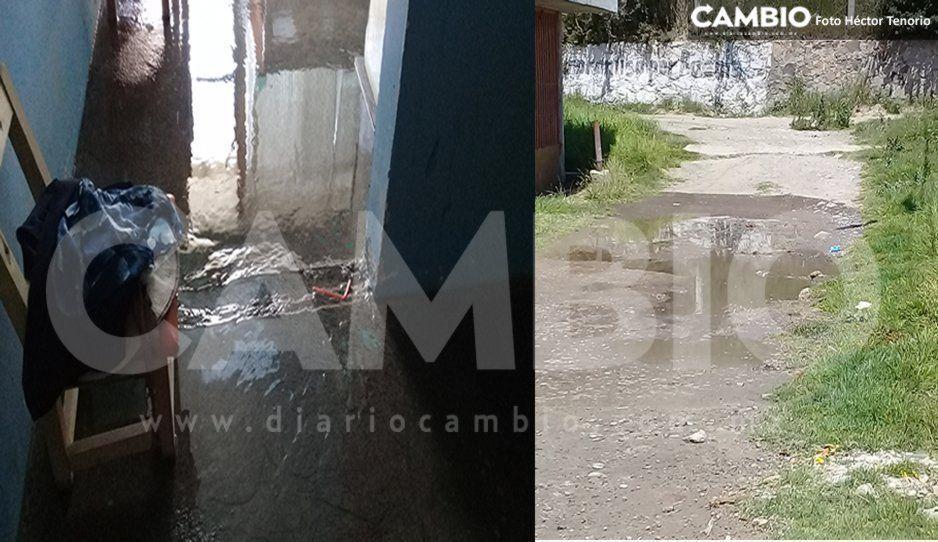 Agua de riego inunda viviendas en  Texmelucan