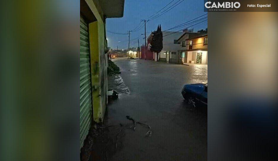 Tromba provoca desbordamiento de barranca en Ocoyucan (VIDEO)