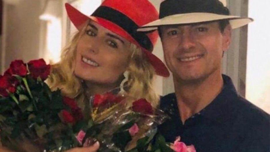 ¡Ternuritas! Sorprende Peña Nieto con ramos de rosas a Tania Ruiz
