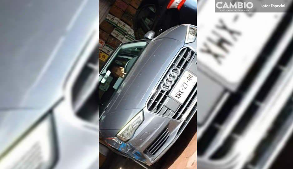 Síndico de San Andrés Cholula se pasea en  un automóvil de casi medio millón de pesos