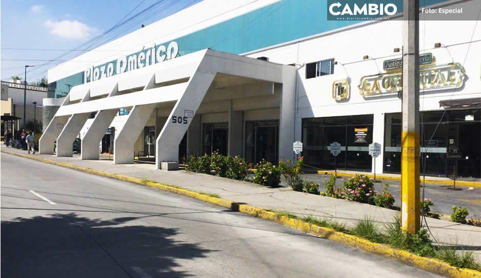 Por adeudar seis millones, Agua de Puebla corta servicio en plaza donde está Conagua
