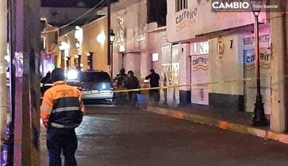 Pánico en antro de Ciudad Serdán: comando armado ejecuta a un hombre y levanta a seis