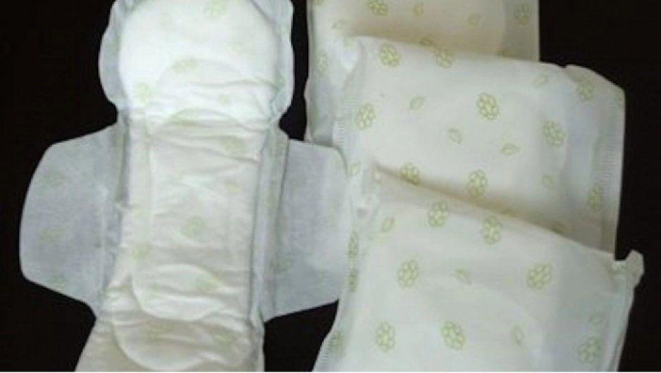 Se sienten cómodas mis bolas: Un caballero tras probar una toalla sanitaria