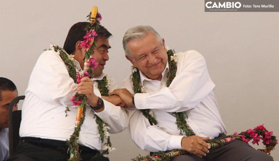 Ante AMLO, Barbosa se compromete a convertir la junta auxiliar Canoa en municipio