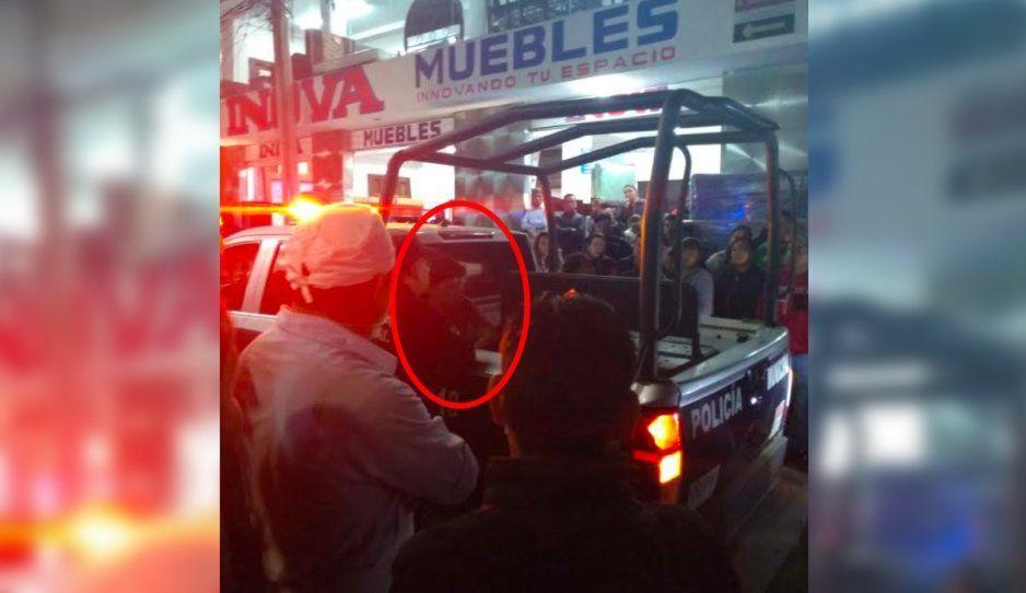 Comerciantes detienen a presunto ladrón en pleno Centro de Texmelucan (VIDEO)