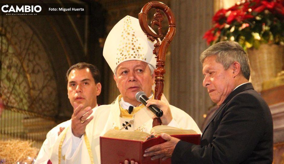 Arzobispo de Puebla pide respeto a feministas que están a favor del aborto