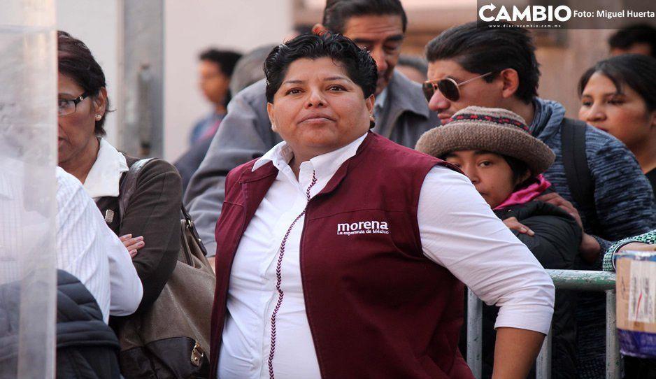 Karina Pérez hace rabieta: deja plantados a inconformes y medios de comunicación (VIDEO)