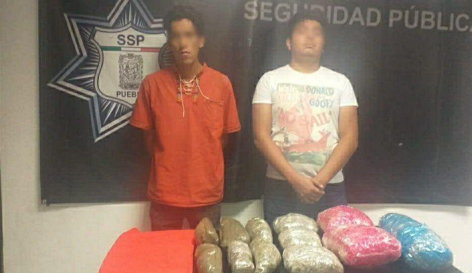 Erick y Pablo, narcomenudistas de Xilotzingo, vendían marihuana hasta en el Oxxo