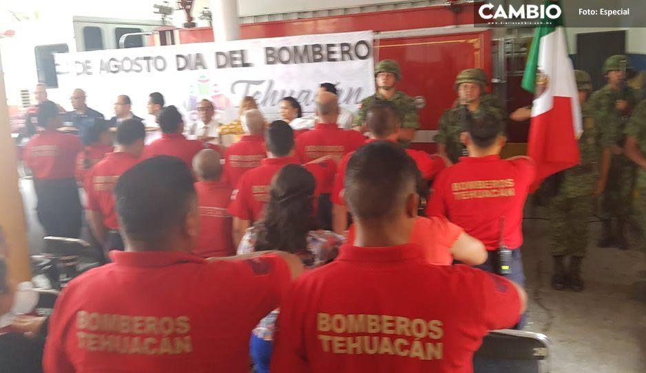 Reconocen labor de bomberos en Tehuacán; entregan reconocimiento a elementos