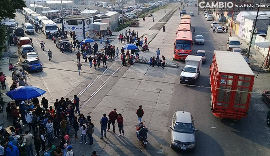 Suspenden manifestación del G-24 hacia puebla capital, pero cierran ayuntamiento en Texmelucan