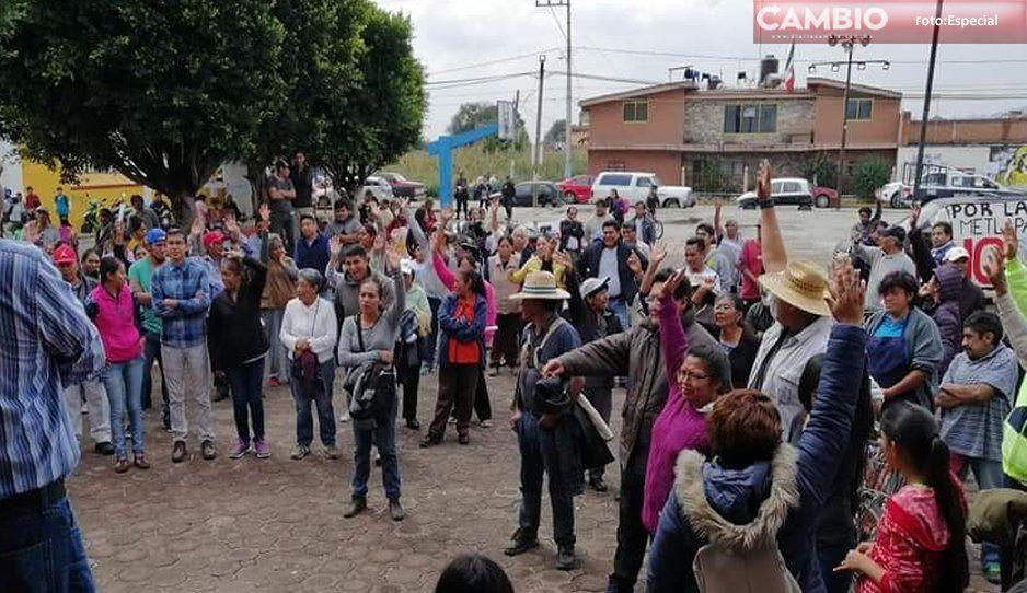 Pobladores corren al edil de Juan C. Bonilla de oficinas alternas