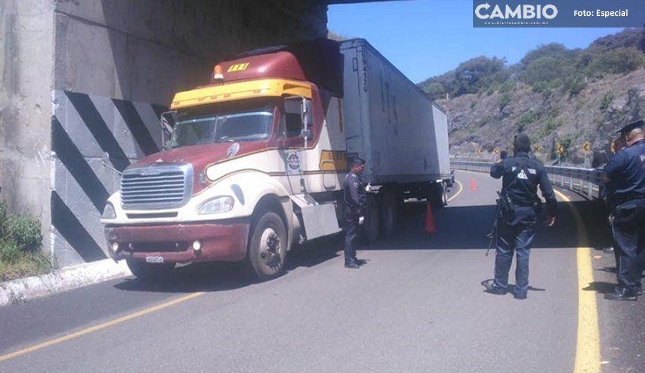 Recuperan tráiler robado en Zacatlán