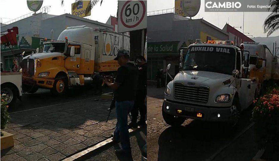 Terror en Tecamachalco: Se desata balacera entre policías y delincuentes tras el robo de camión