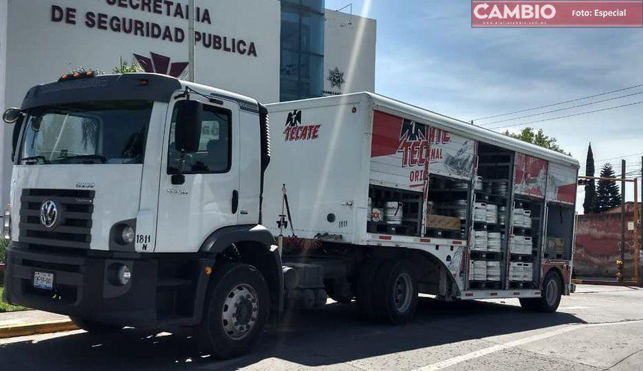 ¡Con  la cervez no! Recuperan camión robado de cerveza en Cuautlancingo