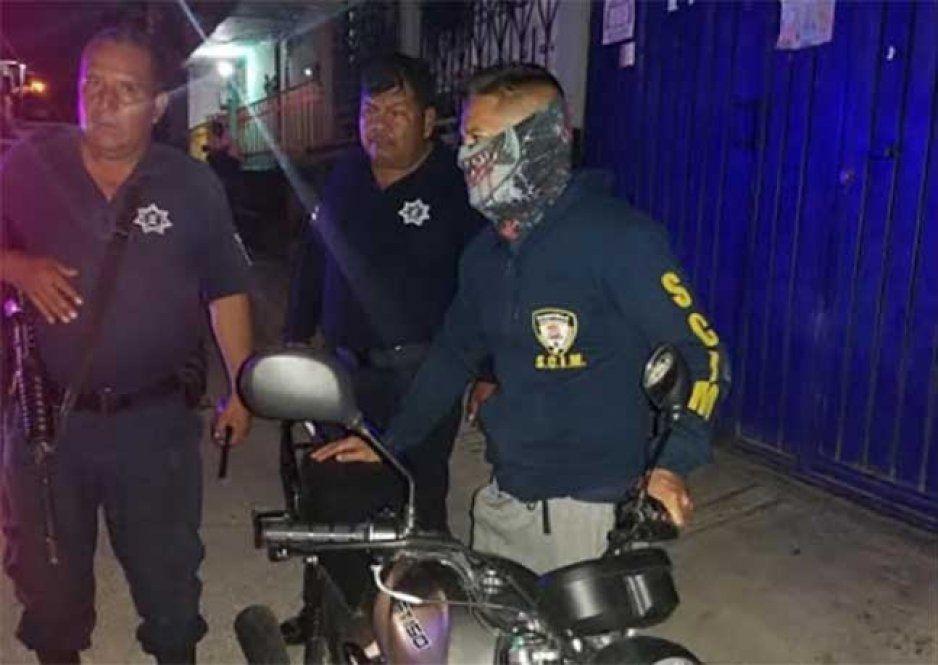Se roban motocicleta del estacionamiento de Aurrera en Izúcar