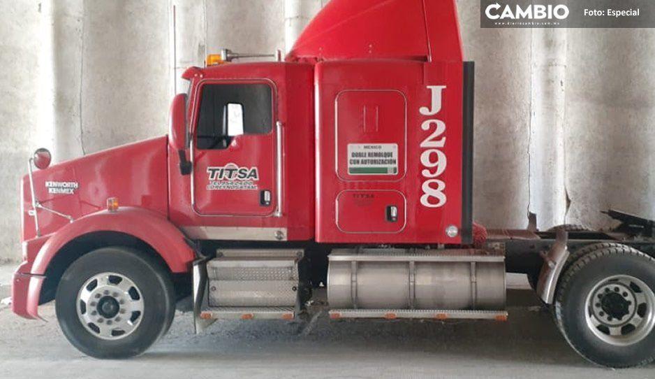 Localizan en comunidad de Texmelucan tracto camión con reporte de robo