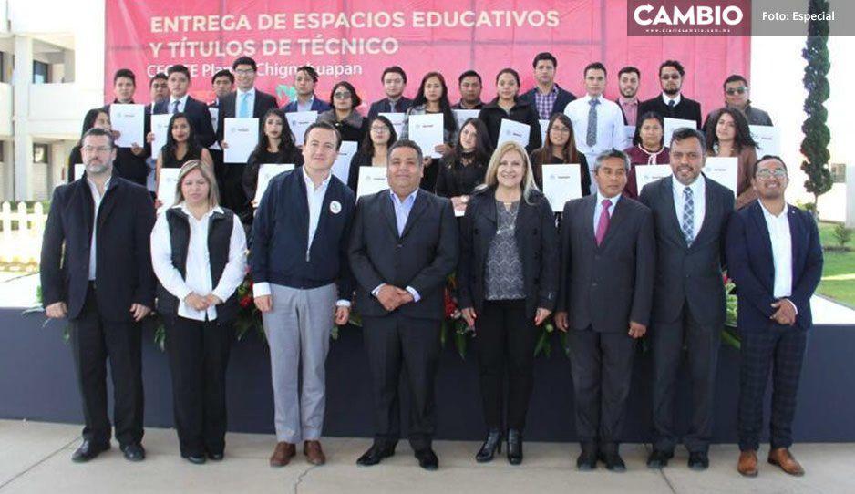 Inauguran Ignacio Mier, Javier Tirado y Rocío Serrano dos aulas en CECyTE de Chignahuapan