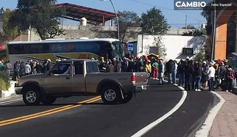 Pobladores de Aljojuca cierran carretera El Seco- Esperanza por inseguridad, lleva 5 horas de bloqueo