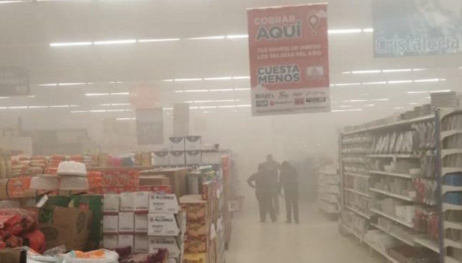 Incendio al interior de Chedraui Texmelucan genera movimiento de bomberos