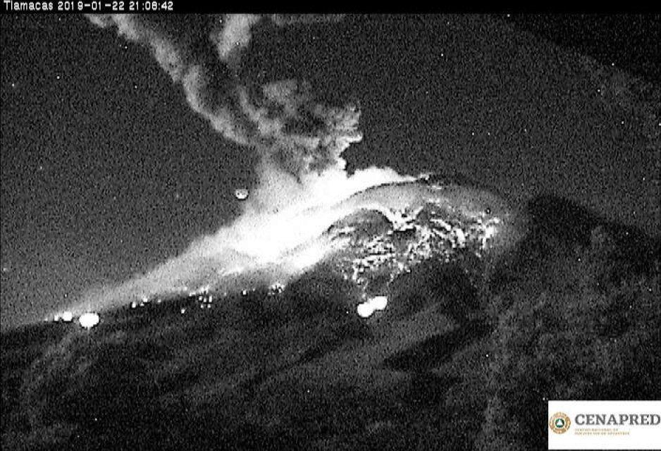 Emiten recomendaciones por explosión del volcán Popocatépetl