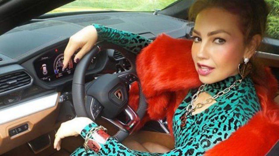 Tunden en redes a Thalía por burlarse de los reguetoneros (VIDEO)