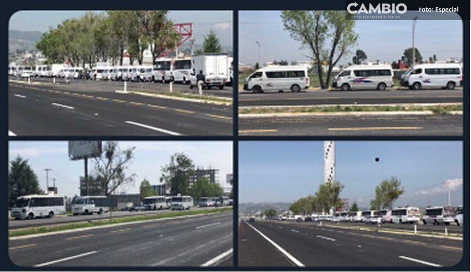 ¡Caos en la Atlixcáyotl! Transportistas se concentran para exigir incremento al pasaje