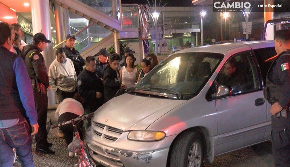 Policías detienen a sujetos que se negaban a ser revisados en la Diagonal