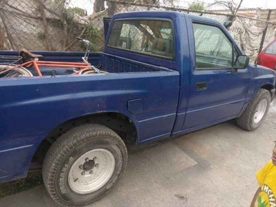 Un hombre pretendía llevar a su mamá al hospital, al salir ya le habían robado su camioneta