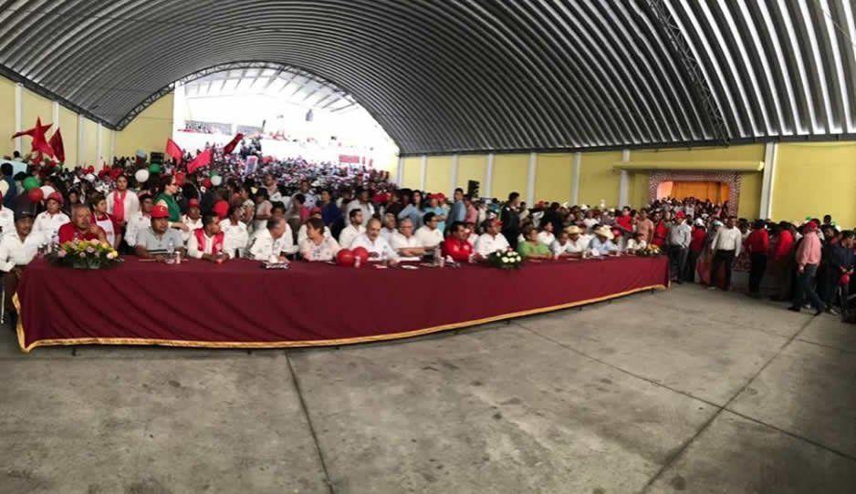 Rosendo Morales cierra campaña arropado por la plana mayor del PRI y de Antorcha