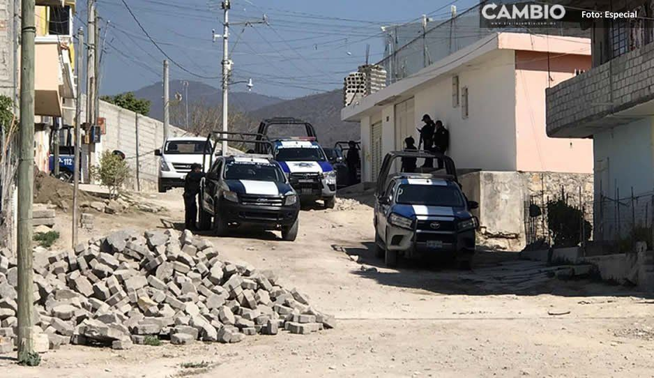 Detienen a dos en bodega de autos robados en Tehuacán