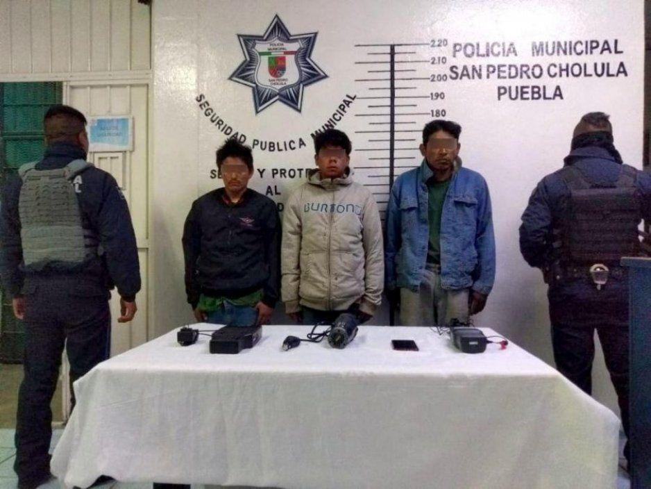 Recupera policía municipal de San Pedro Cholula unidad robada y con 60 mil litros de hidrocarburo