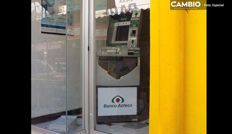 Comando armado saquea cajero automático de Banco Azteca en San Gabriel Chilac