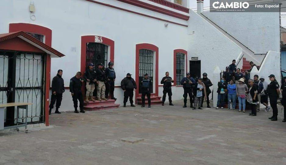 Siguen los problemas en Juan C. Bonilla por el colector pluvial, vecinos intentan tomar alcaldía