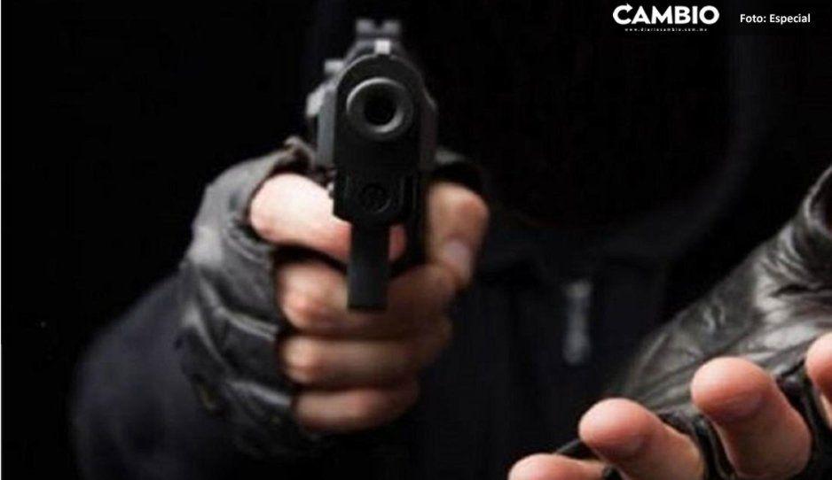 Mujer muere de paro cardíaco al ser asaltada en una zapatería de Ayotoxco
