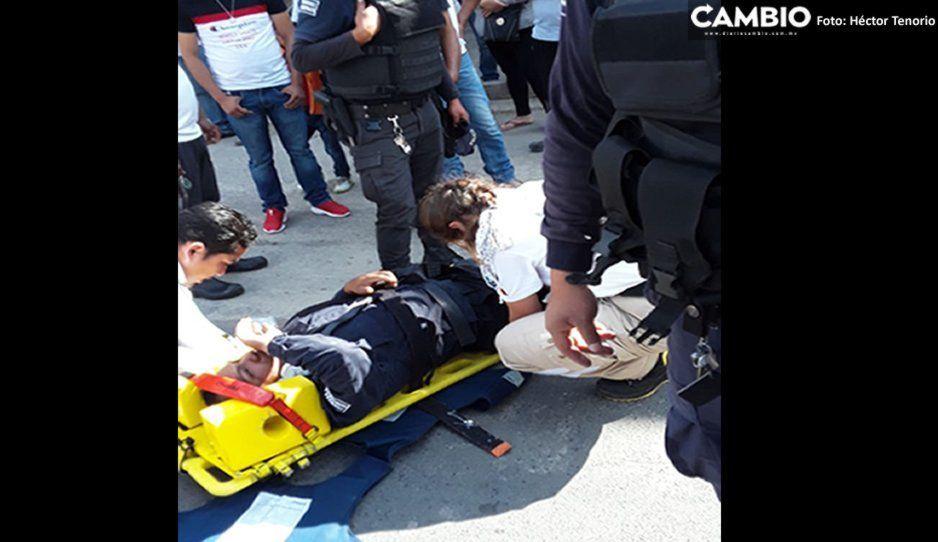 Motopatrulla de Tlalancaleca derrapa y arrolla a mujer en la México-Puebla