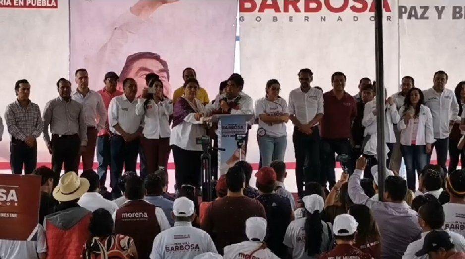 Barbosa lleva más de 30 puntos arriba de Cárdenas y Merino: dice que no se confía