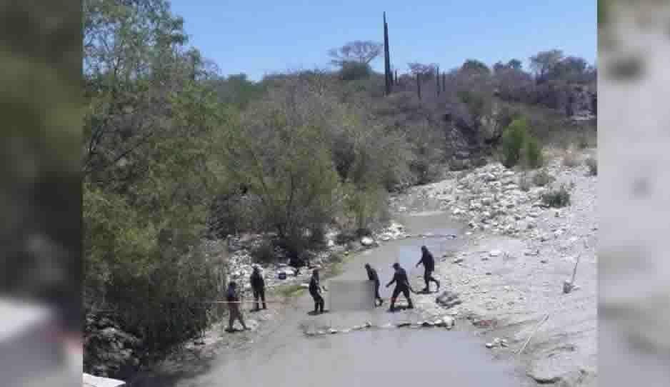 Le cae puente encima mientras nadaba en Huehuetlán El Grande