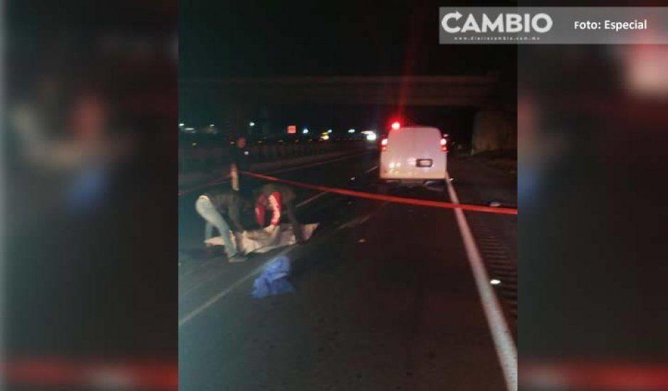 Muere, luego de volcarse en la Autopista México-Puebla