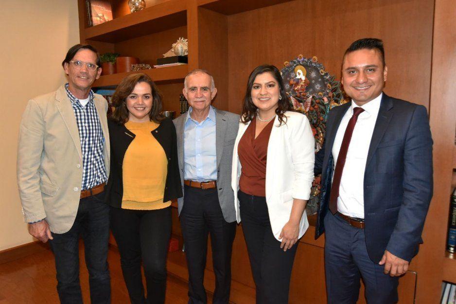 Claudia se reúne con Romo Garza para buscar impulsar la economía de Puebla