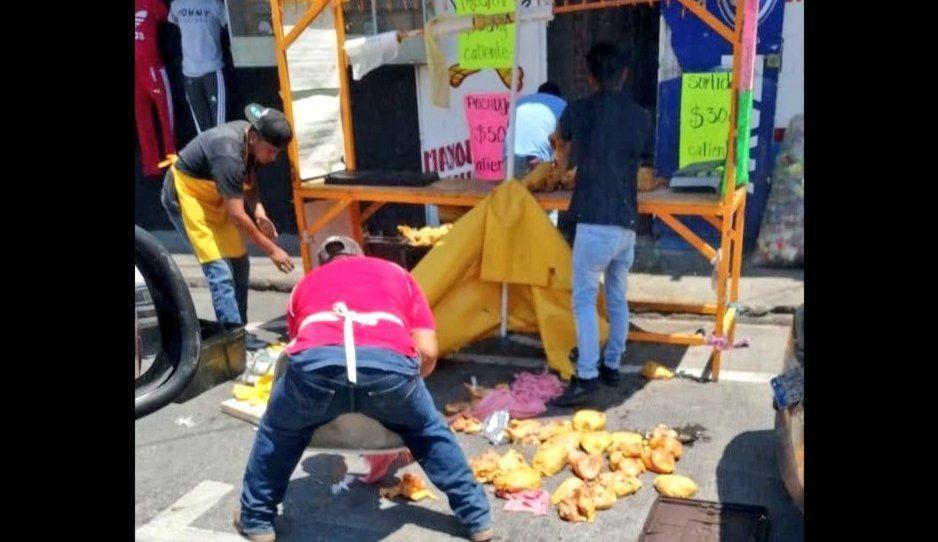 Acusan a pollero de San Francisco Totimehuacán de vender pollos tóxicos