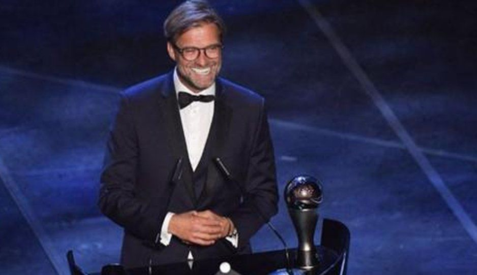 Jurgen Klopp es nombrado el mejor entrenador de la temporada en los premios The Best