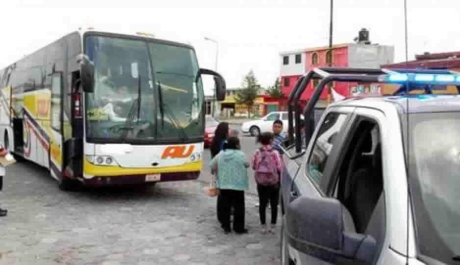 Sujetos armados atracan AU en la Puebla-Tlachichuca