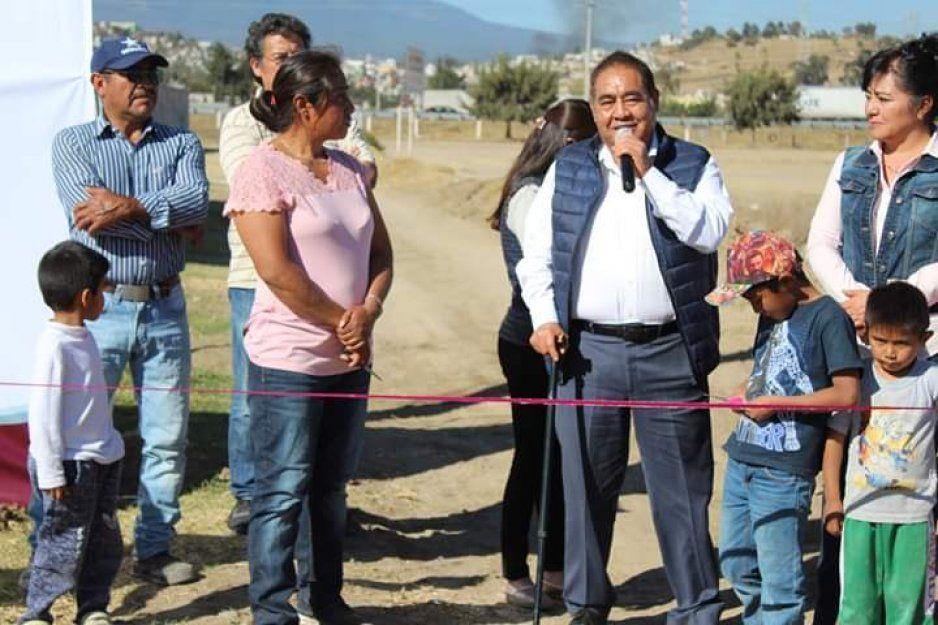 Entrega Mario De La Rosa ampliación de drenaje sanitario en Amozoc